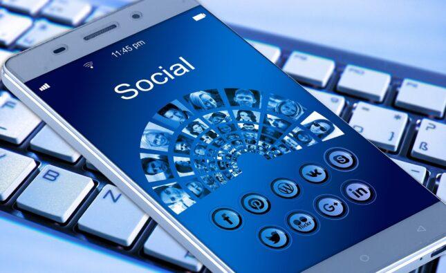 Social media Polarization